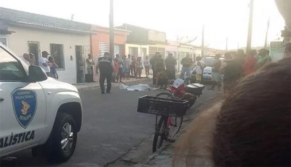 Mulher é assassinada a facadas em Umbaúba