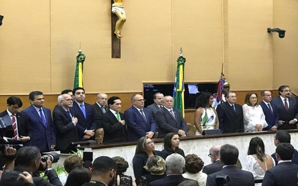 Belivaldo Chagas toma posse como governador de Sergipe