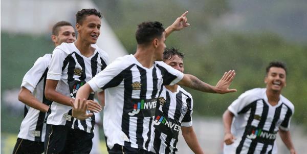 Com chuva, Santos estreia com goleada por 5 a 1 sobre o Sergipe