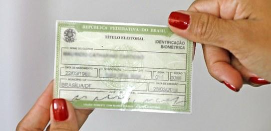 Primeiro título eleitoral e transferência de domicílio podem ser solicitados pela internet (Foto: TSE)