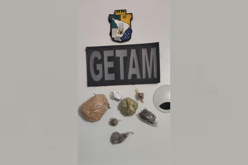 Polícia Militar prende suspeito por tráfico de drogas em Estância
