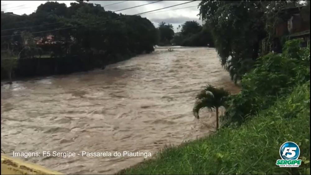 Fortes chuvas elevam nível dos rios em Estância
