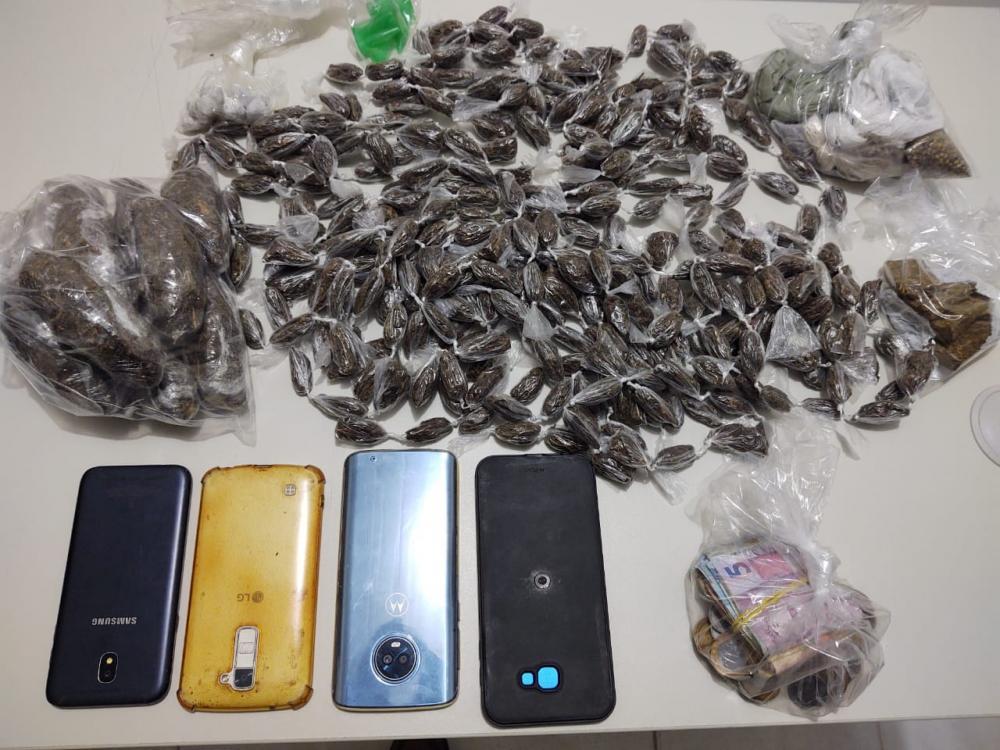 Polícia Civil de Estância prende três indivíduos suspeitos de tráfico de drogas e associação para o tráfico